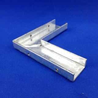 看板用金具(板金加工、溶接、タップ、溶融亜鉛メッキ)